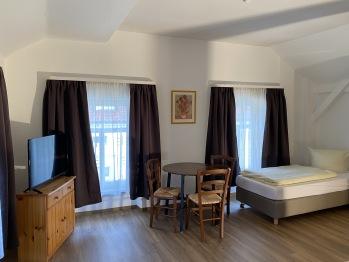 Dreibettzimmer 3 stock rechts