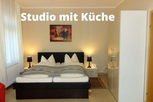 Studio-Groß-Ensuite Dusche-Gartenblick-Studio mit kleiner Küche - Standardpreis