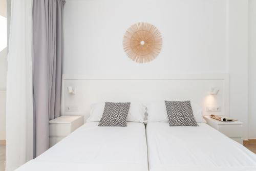 Apartamento-Estándar-Baño con ducha-Vista a la Calle