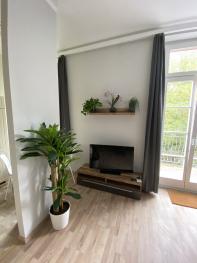 Fernseher und Balkon