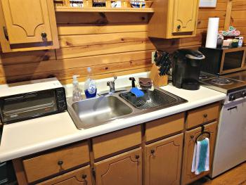 Bill's Cabin Kitchenette