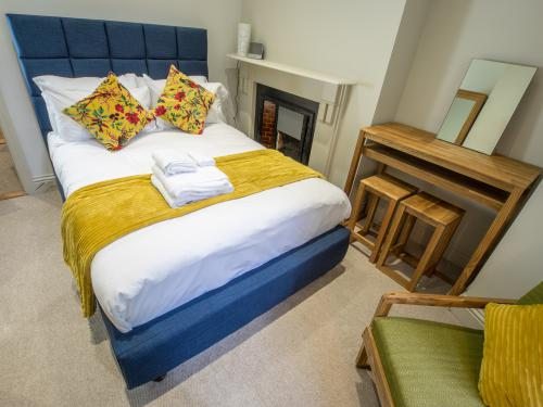 Double Room with share bathroom and share Kitchen