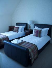 Twin room-Standard-Ensuite with Shower-Sea View-Twin Room - Base Rate