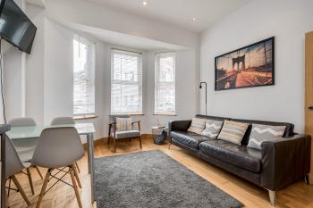 Central Belfast Apartments: Eden -