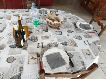 dîner en table d'hôtes