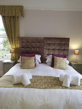 Wisterai Room - Superking bed can be split into 2 single beds