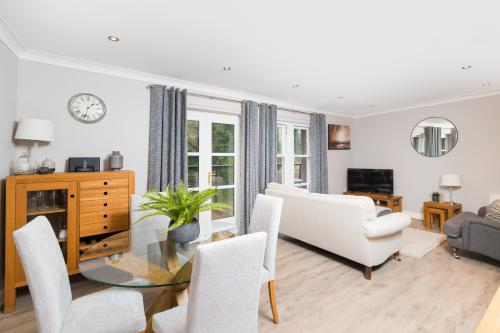 Duplex-Luxury-Ensuite with Shower-Terrace