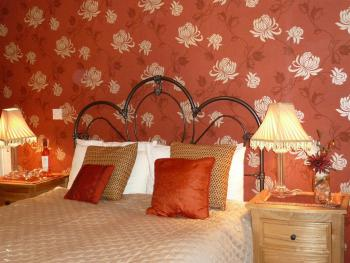 Double room-Ensuite with Bath-Large bedroom
