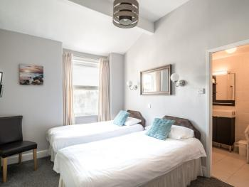 Interconnecting Family Suite Inland - Sleeps 4 - Second Floor