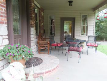 Porch / Sitting area