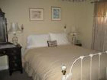 Double room-Ensuite-Standard-Judith - Base Rate
