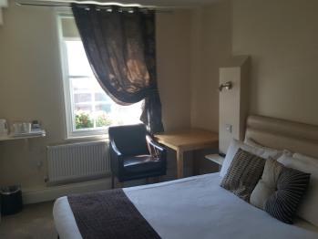 Bedroom Room 2