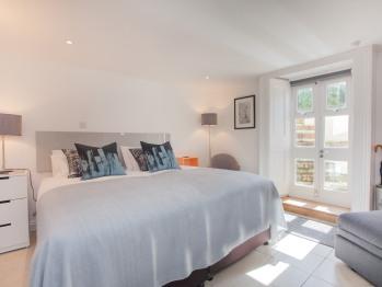 The Design Studio - Bedroom with super-king zip and link bed