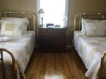 Room 1- Toulinguet Inn