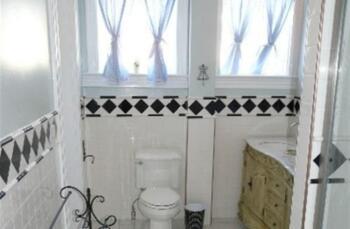 Catlett Chamber Bathroom