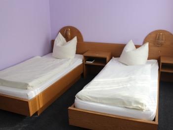 Economy-Zweibettzimmer-Eigenes Badezimmer