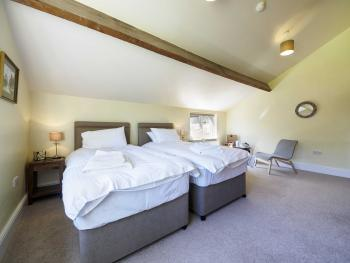 Double room-Ensuite with Shower-Garden View-Superking