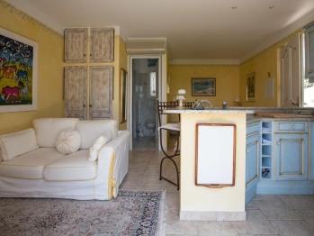 La Suite Bleue (30m2) de La Tarentane offre un confort exceptionnel.