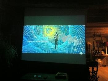 Espace cinéma, vidéo projection sur grand écran, Son Dolby Surround BOSE™