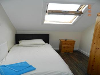 Single room-Basic-Shared Bathroom-Basement