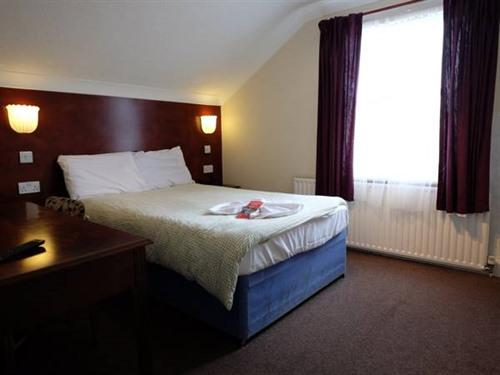 Triple room-Ensuite-Double and Single Beds