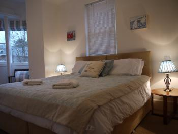 Bridge, super king sized bed or twin with ensuite shower