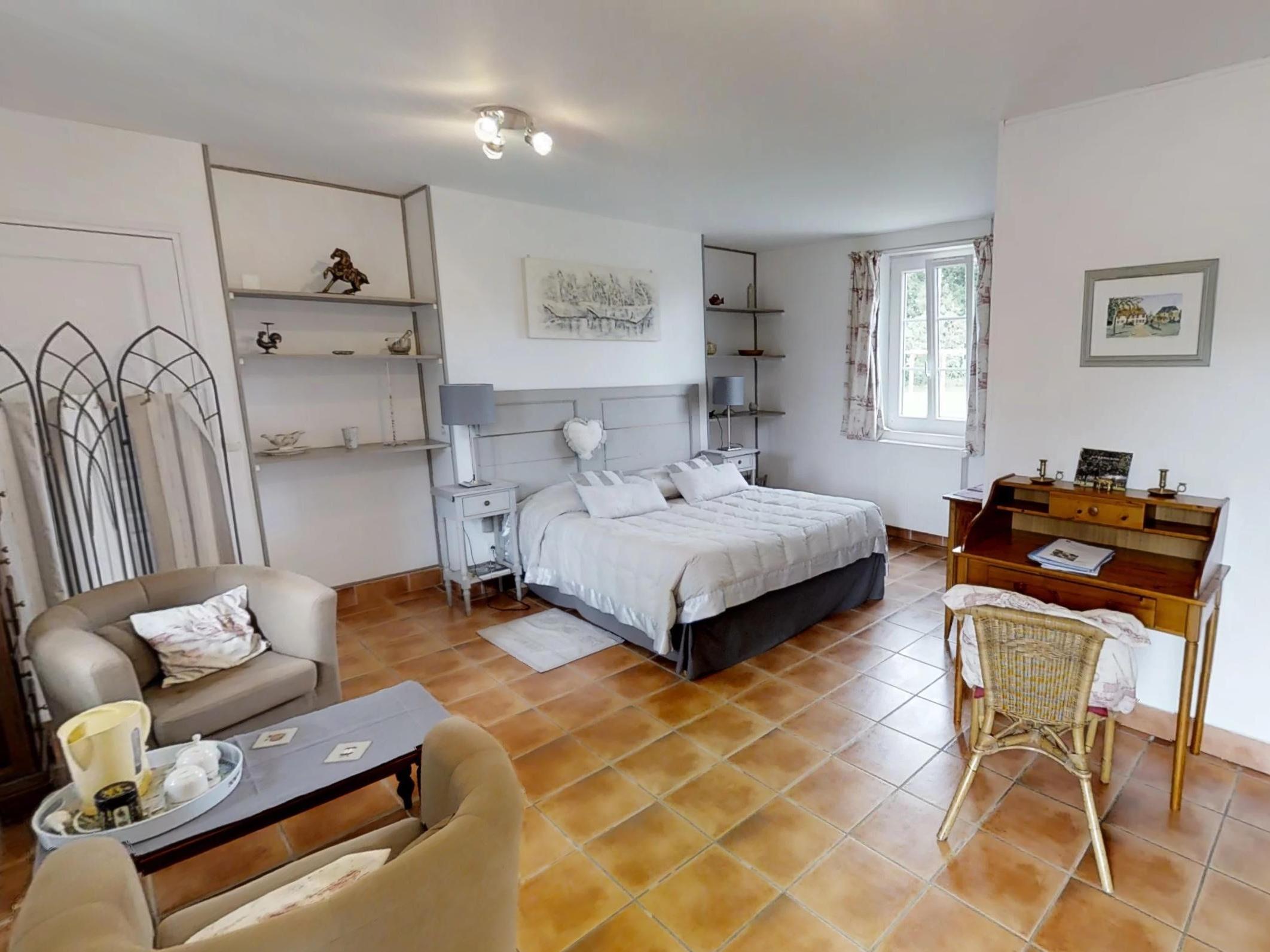 Chambre Trouville - lit 160 et balneo - Vue sur Jardin