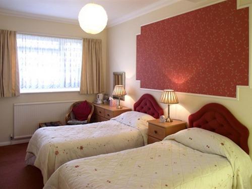 Twin room-Standard-Ensuite-Room 8