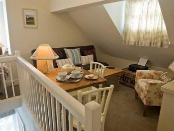 Snug and additional sofa bed for 2 in the Coastal Cottage
