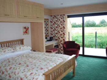 Quad room-Comfort-Wet room-Riverside