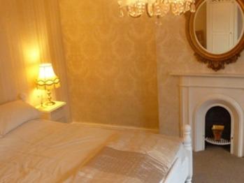 King-Ensuite-Drayton Room