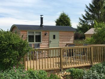 Landews Meadow Cottages - Rose Shepherds Hut