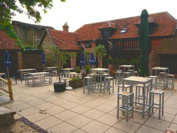 The Selsey Arms - Patio Garden & B&B
