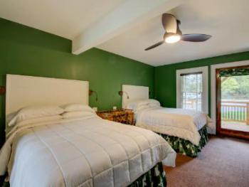 Cottage-Private Bathroom-Family-Patio-Room 11 - Base Rate