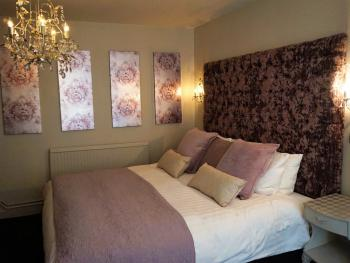 """""""Harlequin"""" Superior double guest room"""