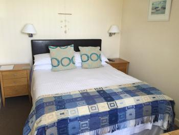 Beachcomber Double or Twin Ensuite with Shower- Sea View-2nd Floor