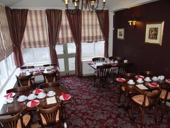 The Nags Head - Breakfast room