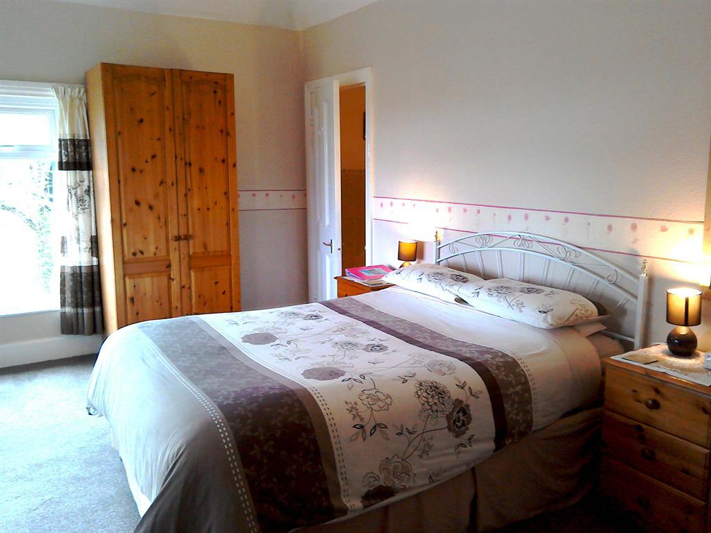 Double room-Ensuite with Shower- B&B - Base Rate