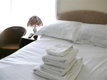 Room 5- Small-Double room-Ensuite - Base Rate