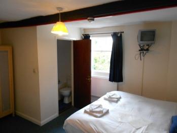 Triple room-Ensuite-Room Only