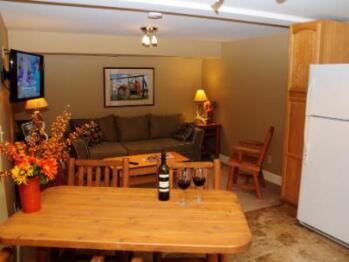 1-Bedroom Suite-Apartment-Ensuite-Standard-Garden View