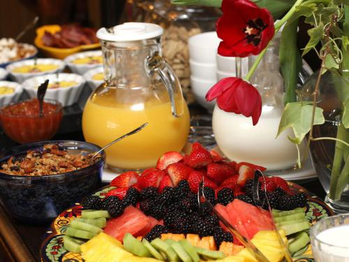 A full bevy of breakfast delights served each morning in the Mansion's Dining Room