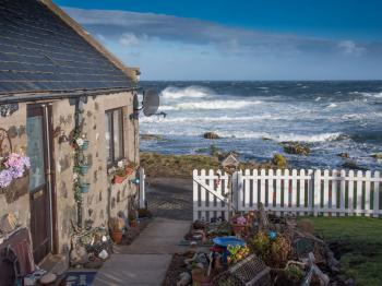 Pew with a View - Seafront Cottages - Absolute seafront cottage