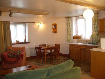 The Stable lounge / kitchen self catering or b&b. En suite shower