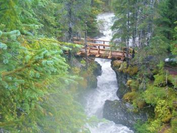 HIKING - WINNER CREEK BRIDGE