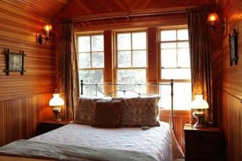 Deluxe Main Lodge room