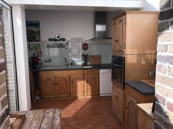 La Villa Vert Bois : la cuisine sous la véranda