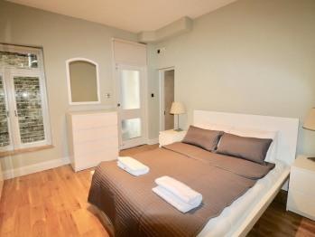 Apartment-Private Bathroom