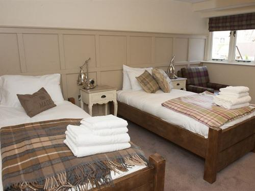 Twin room-Ensuite-(Room Only)