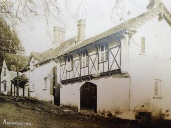 Old photo of The Durant Arms, formerly The Ashprington Inn (Coach House on the right)